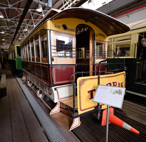 Melbourne Tramway & Omnibus Company cable tram set. Trailer nr. 256.